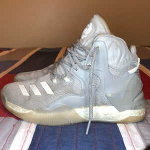 ADIDAS BASKETBALL SHOES: D Rose 7's